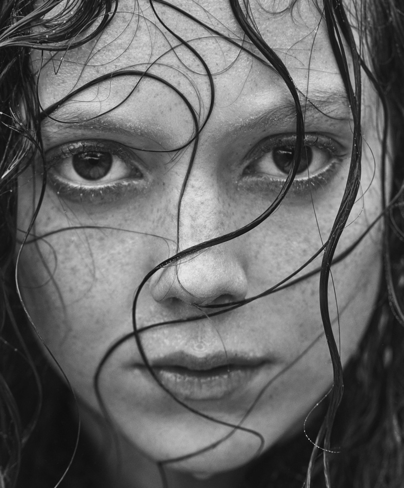 Natalie Westling gets her closeup in Mango's November 2016 campaign