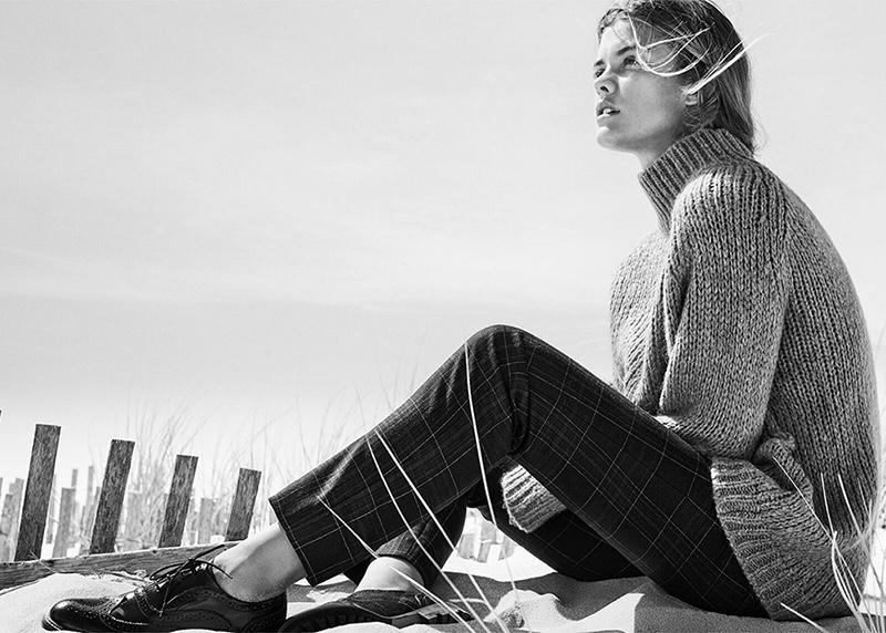 It's sweater season as Nina Agdal wears a chunky turtleneck sweater and windowpane print pants