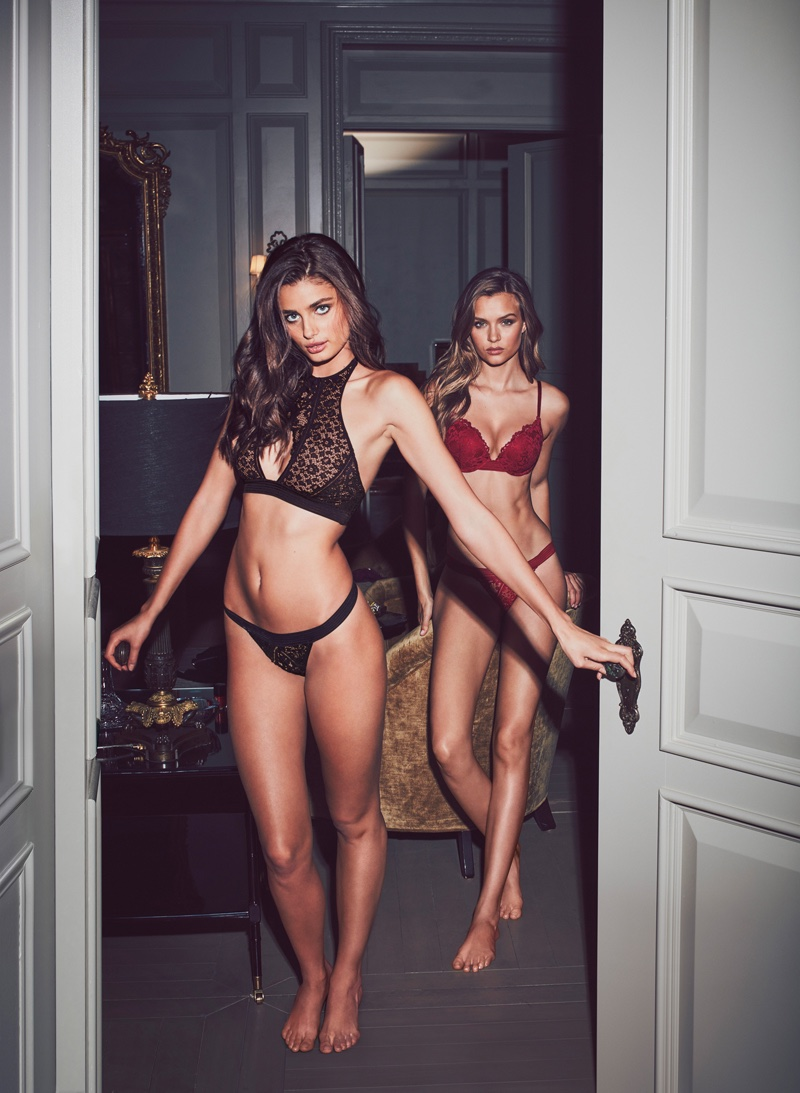 674227a04889a ... Bra Taylor Hill and Josephine Skriver pose in Very Sexy Push-Up   Keyhole  High-