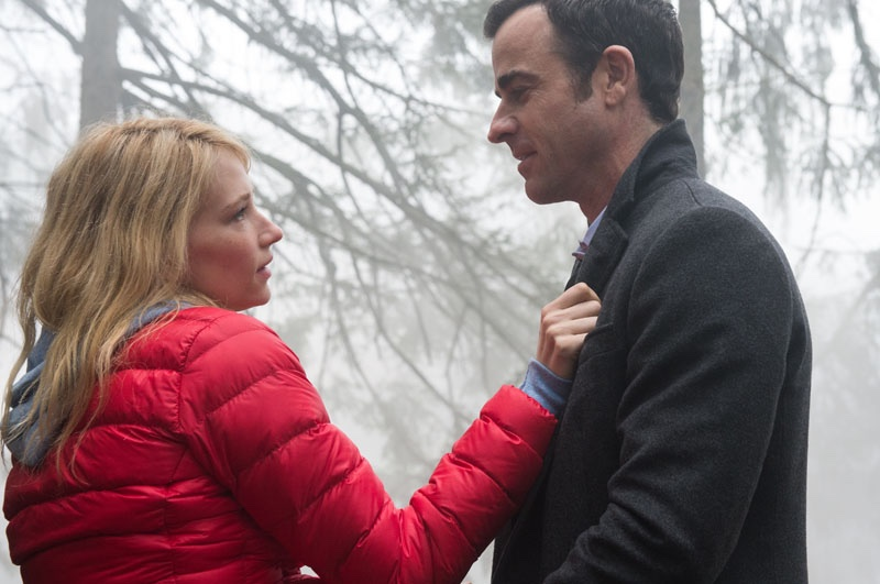 Haley Bennett and Justin Theroux in Girl on the Train