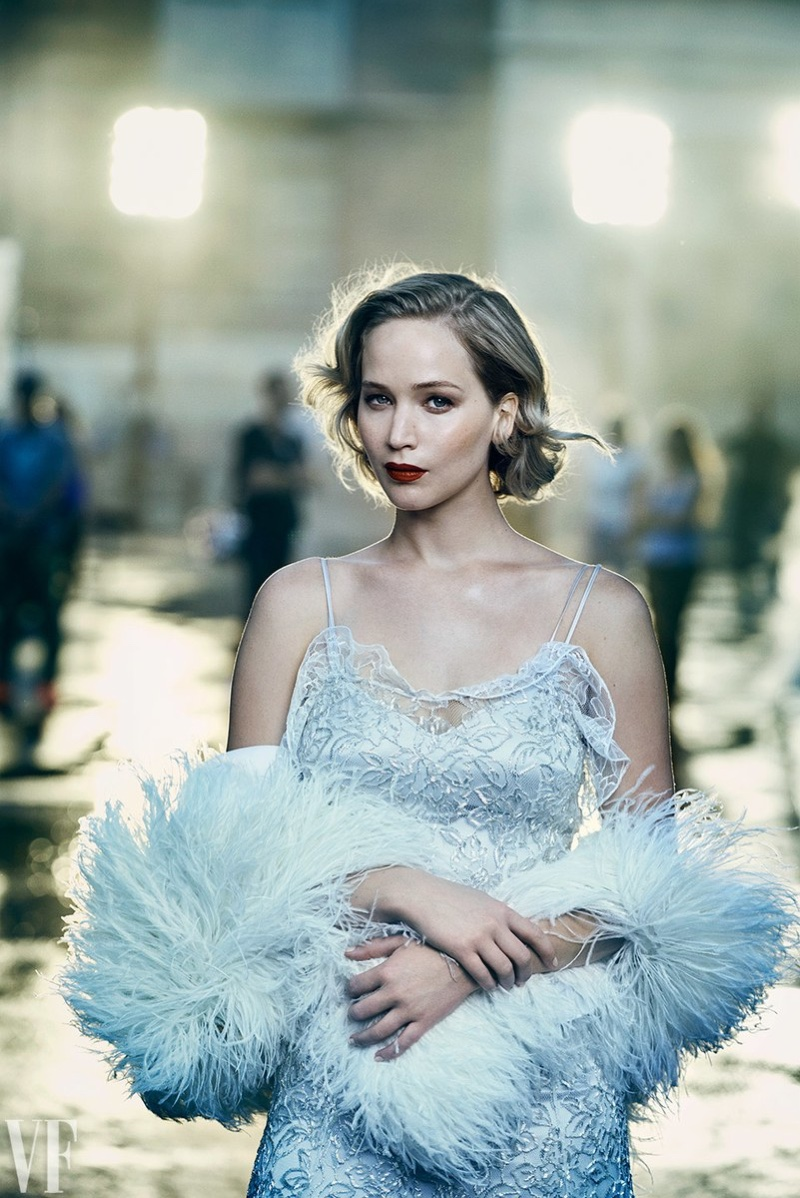 Actress Jennifer Lawrence shines in Dior gown and Francesco Scognamiglio stole