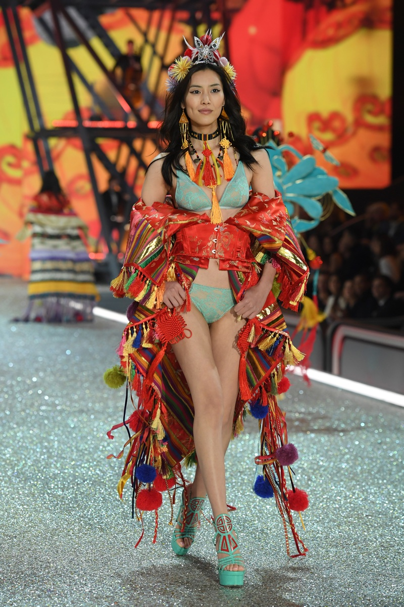 Liu Wen at the 2016 Victoria's Secret Fashion Show