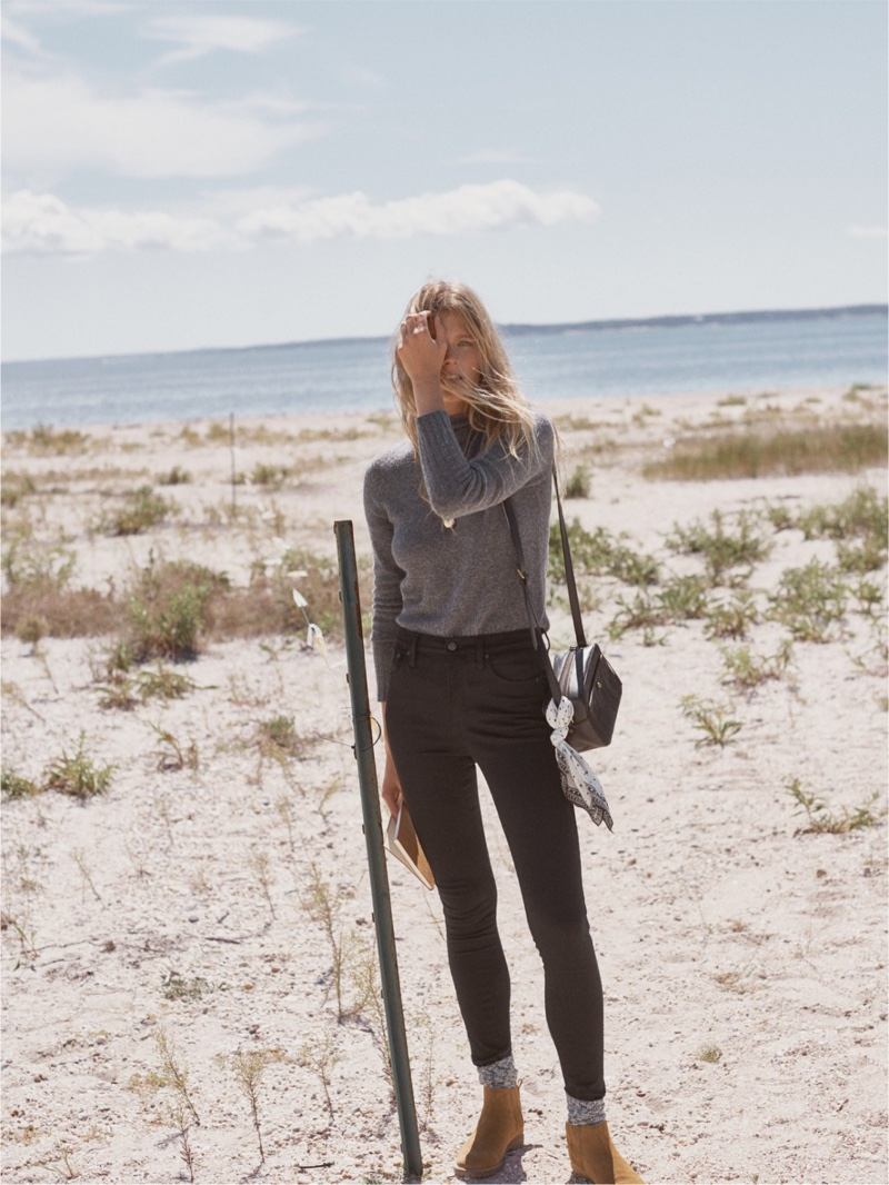"""Madewell Inland Turtleneck Sweater, 10"""" High-Rise Skinny Jeans and Carlin Shearling Chelsea Boot"""