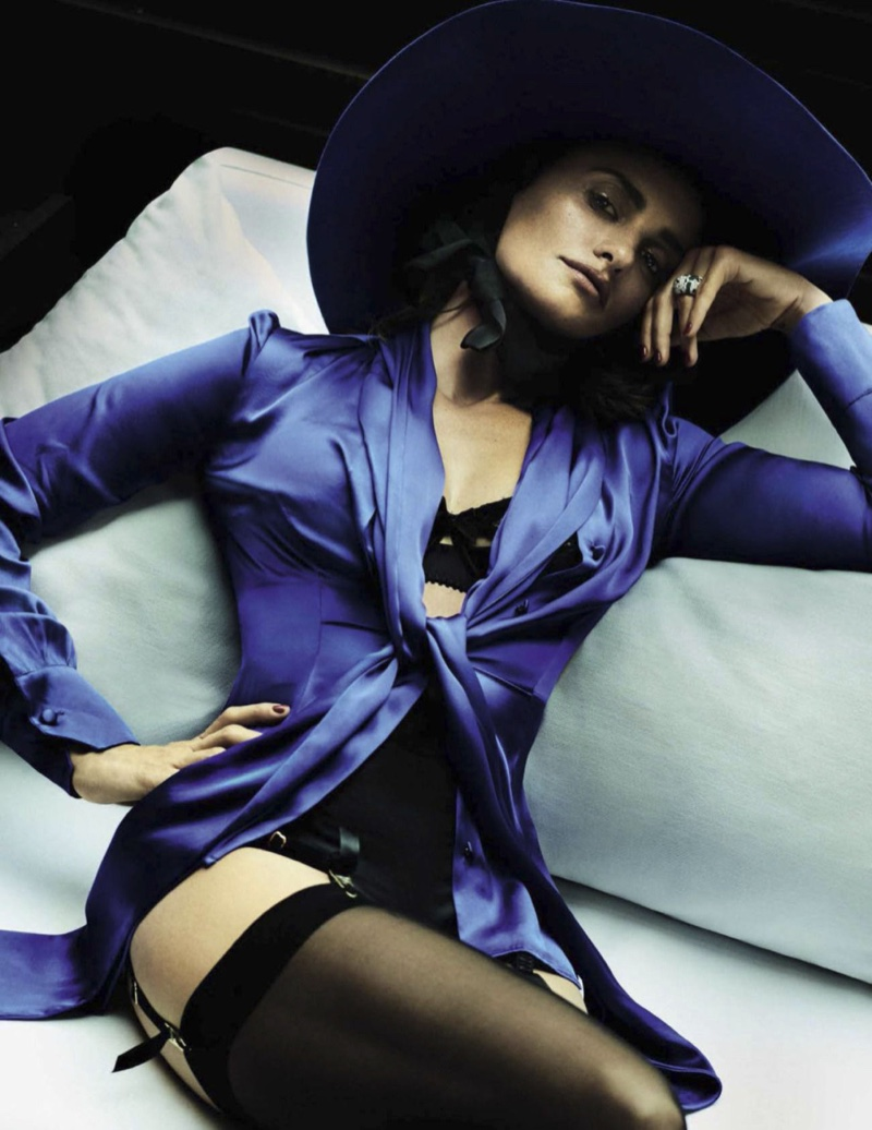 Penelope Cruz Smolders for Vogue Spain Cover Shoot