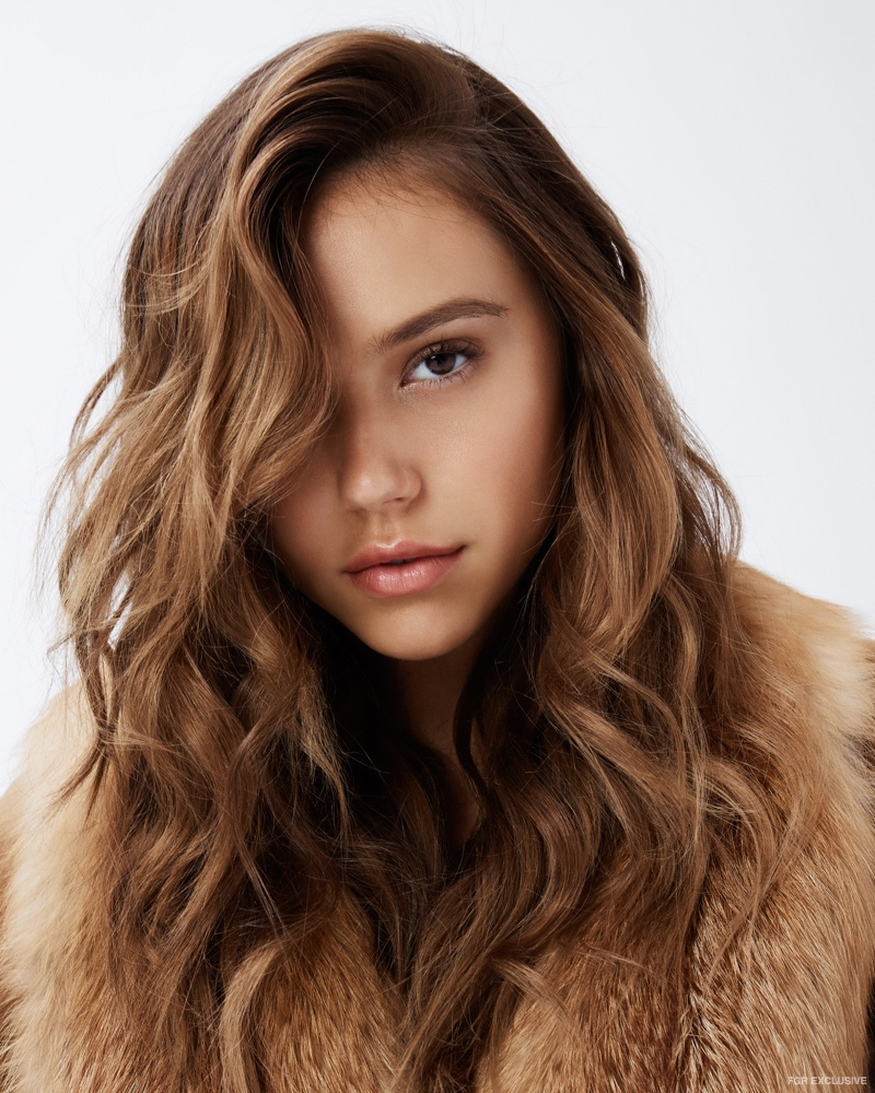 Exclusive Alexis Ren By Christopher Shintani In Glamorous