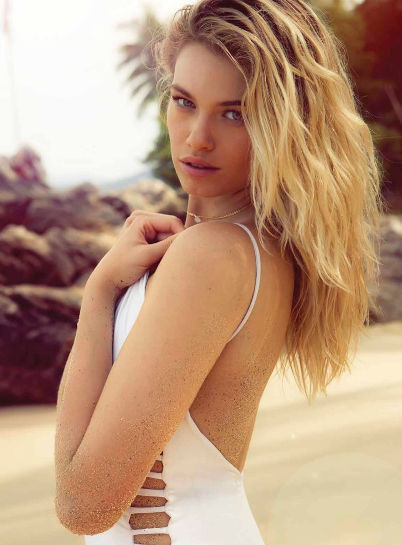 Hailey Clauson is Ready for Swimsuit Season in Esquire Mexico