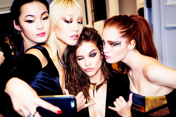 L'Oreal models Xiao Wen Ju, Soo Joo Park, Barbara Palvin and Alexina Graham take a selfie together