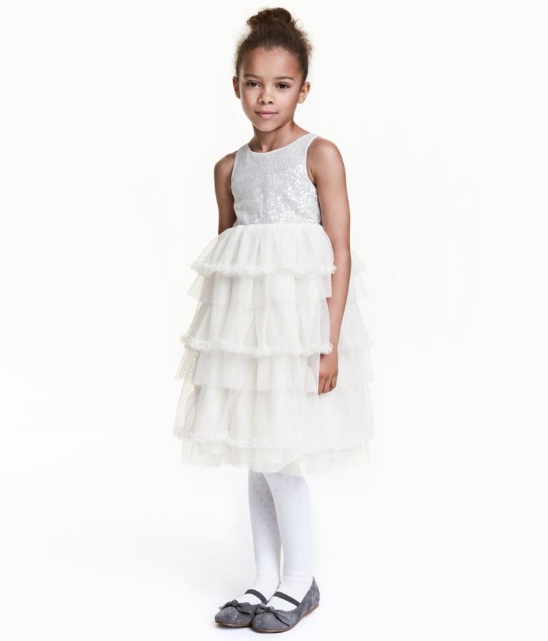 5 Flower Girl Dresses for an Enchanting Wedding