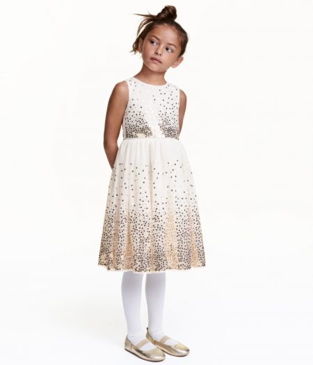 5 Flower Girl Dresses for an Enchanting Wedding