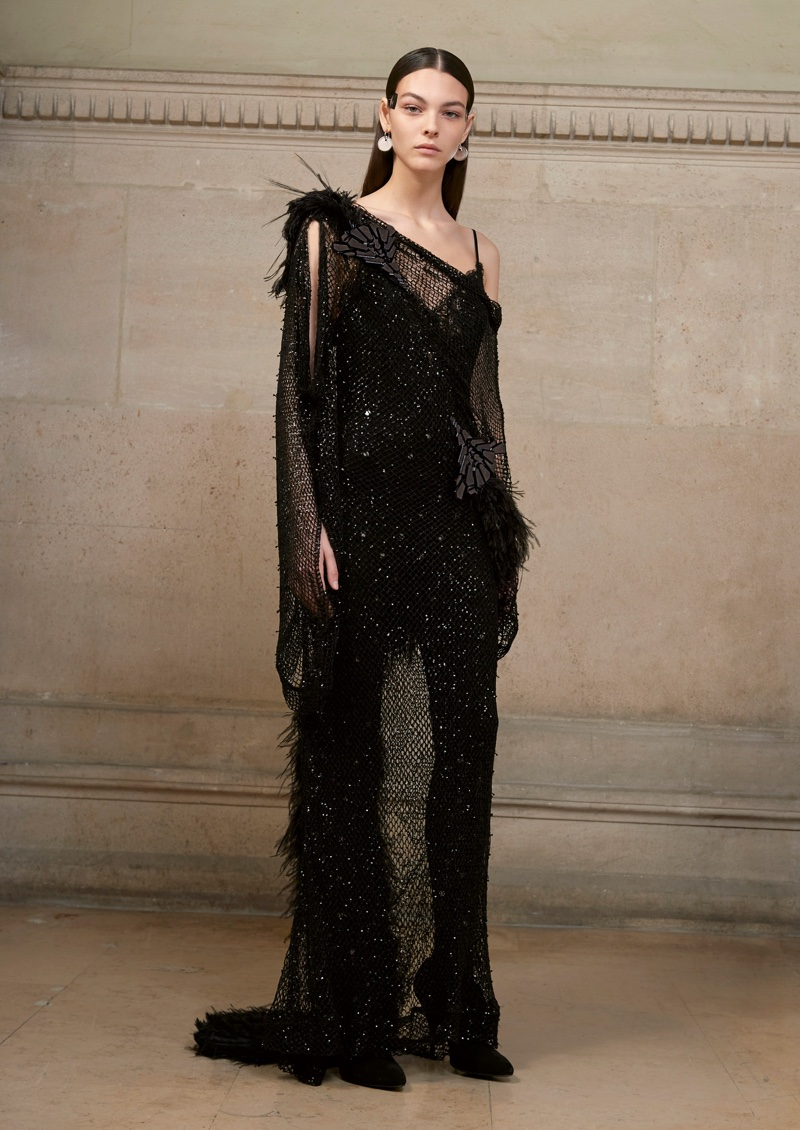 Givenchy haute couture spring 2017 collection12 for Haute couture shopping