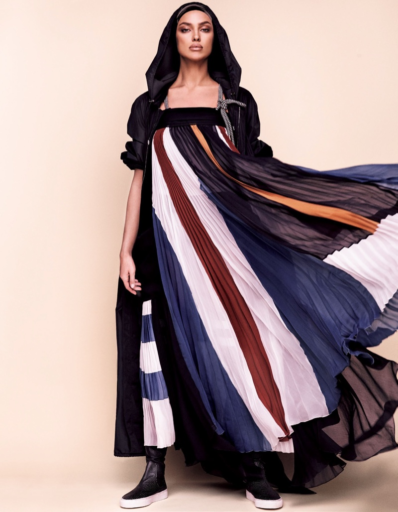 Embracing a loose shape, Irina Shayk wears a Chloe maxi dress
