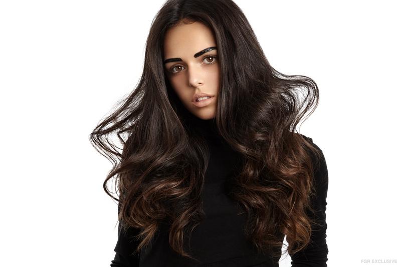 Model Zoe Canada wears a wavy hairstyle. Photo: Wendy Hope