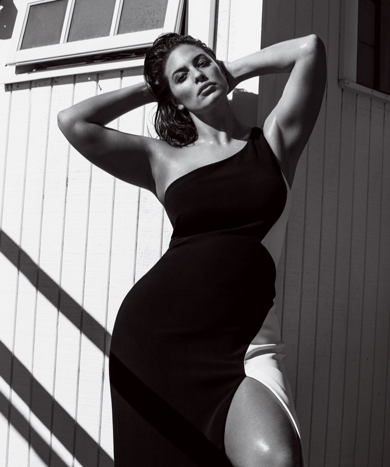 Ashley Graham flaunts her curves in Cushnie et Ochs dress