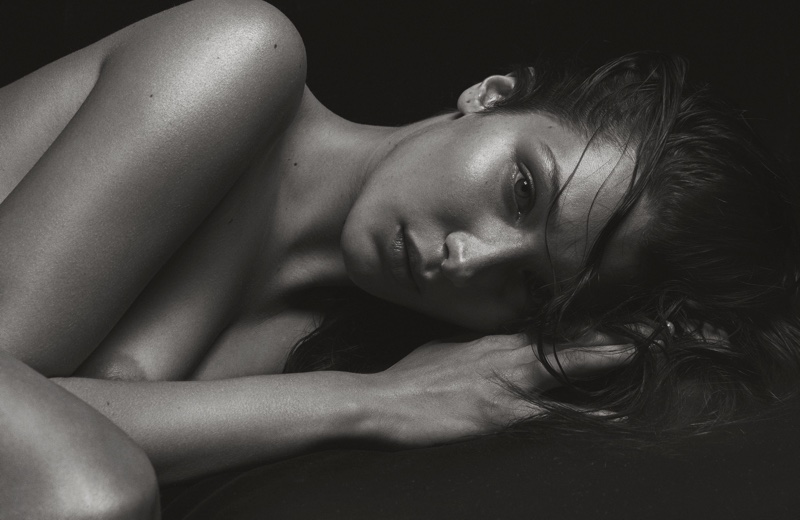 Model Bella Hadid turns up the heat in a topless shot
