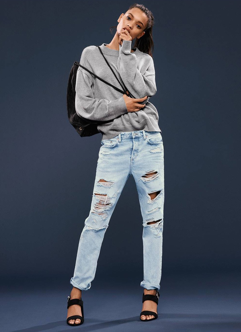 H&M Knit Sweater, Backpack, Boyfriend Low Ripped Jeans and Imitation Suede Sandals