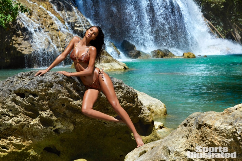 Lais Ribeiro named Sports Illustrated Swimsuit Issue 2017 rookie