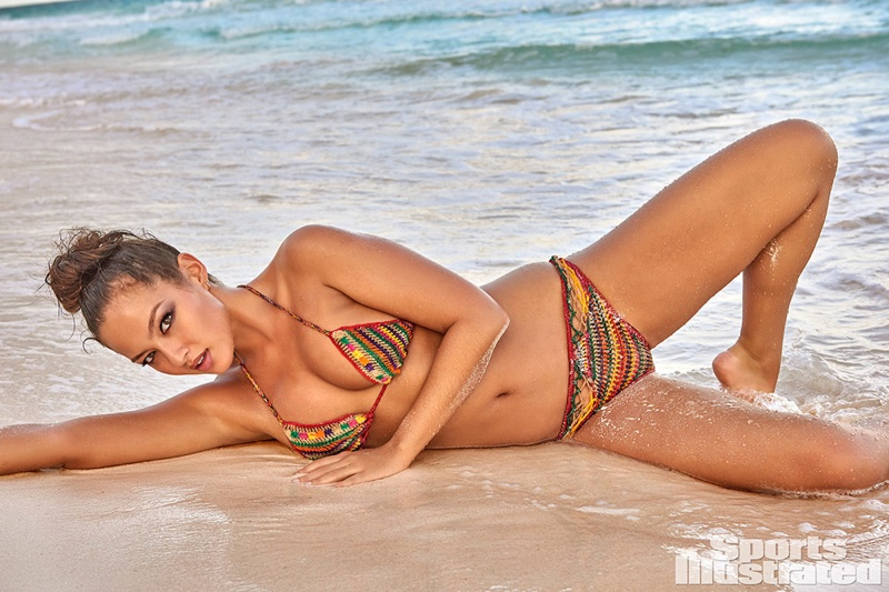 Mia King named Sports Illustrated Swimsuit Issue 2017 rookie