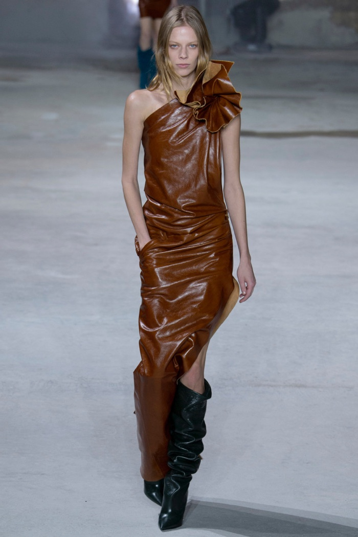 Brown leather one-shoulder dress with asymmetrical hemline from Saint Laurent's fall-winter 2017 collection