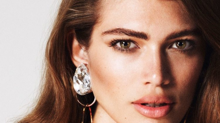 Getting her closeup, Valentina Sampaio wears diamond earrings