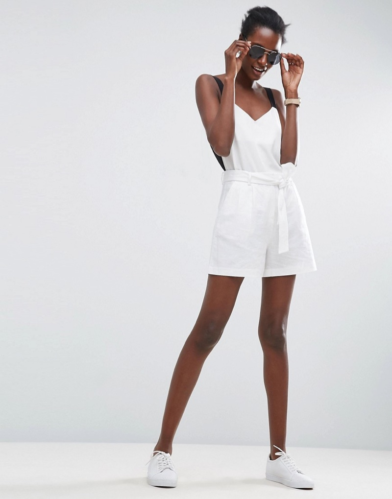 The Belted Linen Shorts come in white