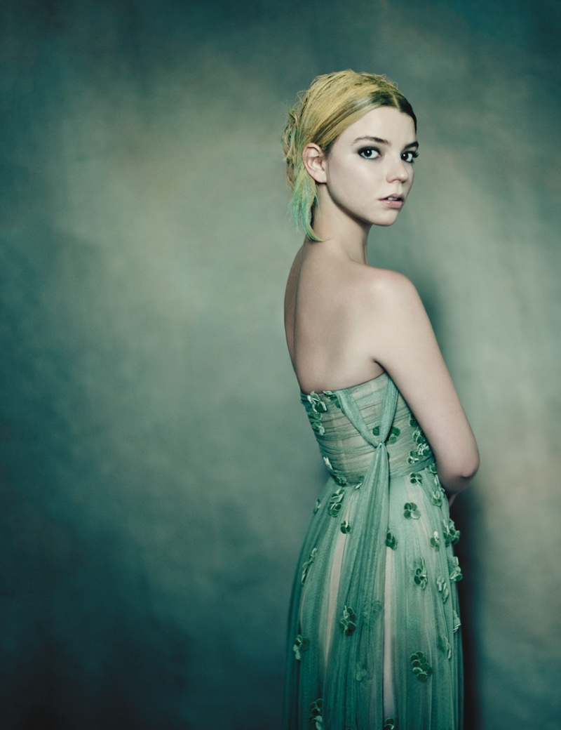 Flaunting her shoulders, Anya Taylor-Joy models Dior Haute Couture dress