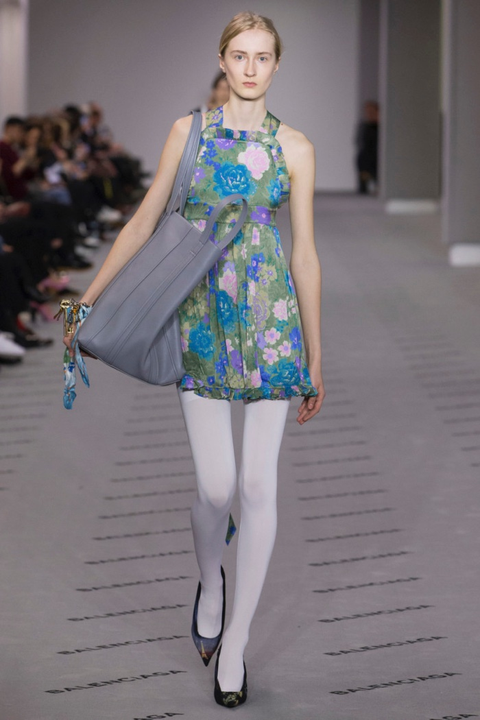 Floral print apron dress with large tote bag from Balenciaga's fall-winter 2017 collection