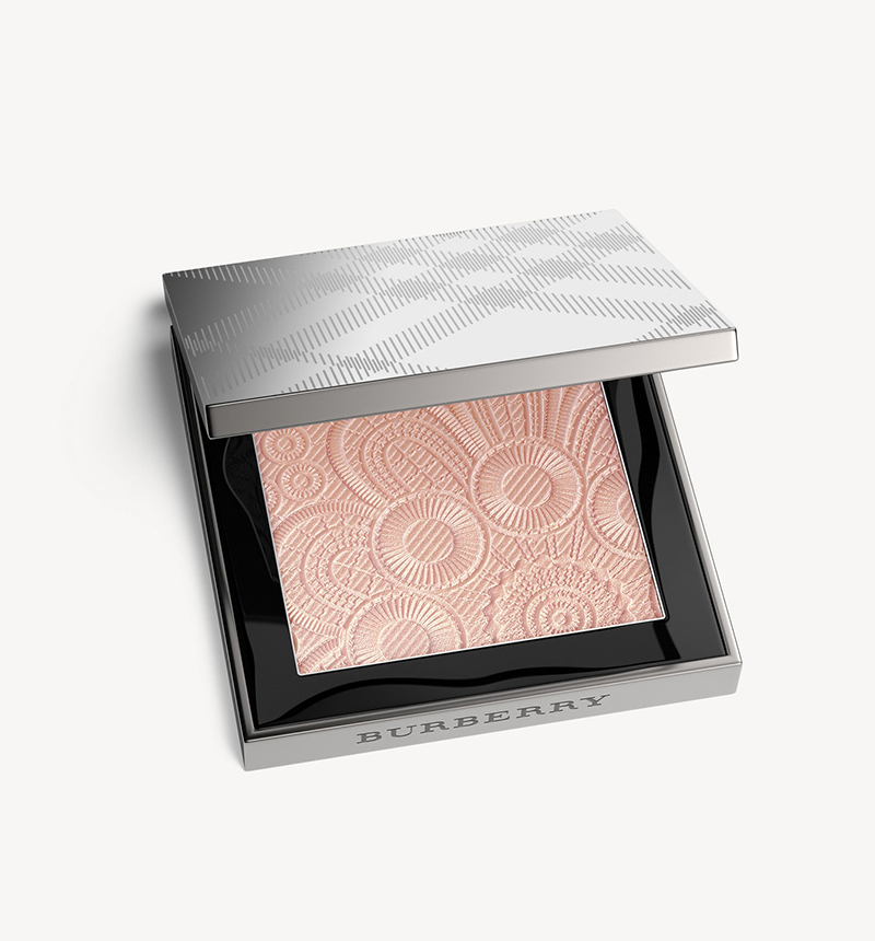 Burberry Fresh Glow Highlighter in Rose Gold No. 04 $68