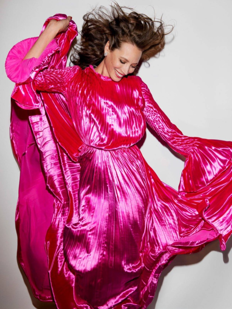 Christy Turlington wears pink Valentino Haute Couture gown