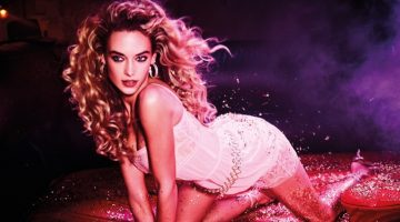 Hannah Ferguson is a Dive Bar Diva in Wonderland Magazine