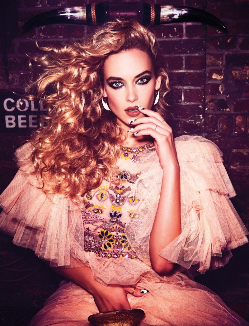 Hannah Ferguson models embellished Gucci gown with tulle sleeves