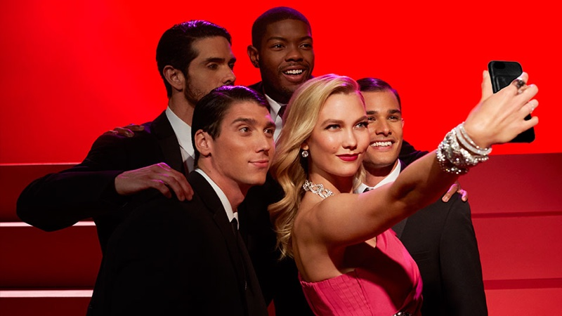 Taking a selfie, Karlie Kloss channels Marilyn Monroe for Swarovski film