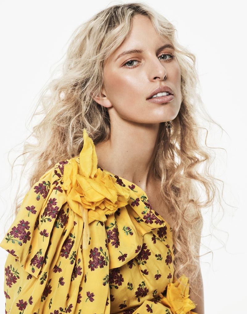 Getting her closeup, Karolina Kurkova wears Gucci floral print dress