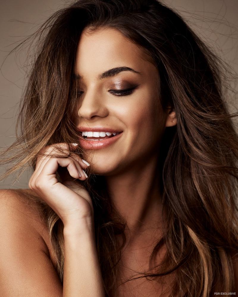 Model Lena Radonjić wears a smokey eyeshadow look. Photo: Christopher Shintani