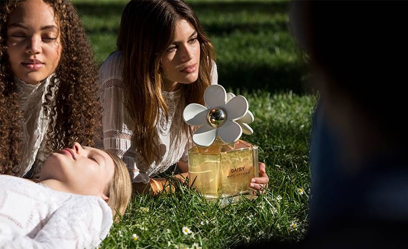 Kaia Gerber poses behind the scenes at Marc Jacobs' Daisy fragrance campaign