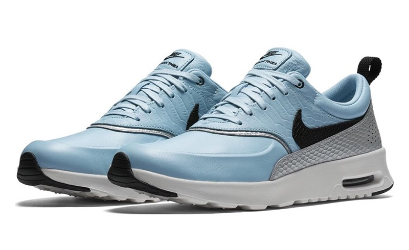Nike Air Max Thea LX Sneaker in Blue $135