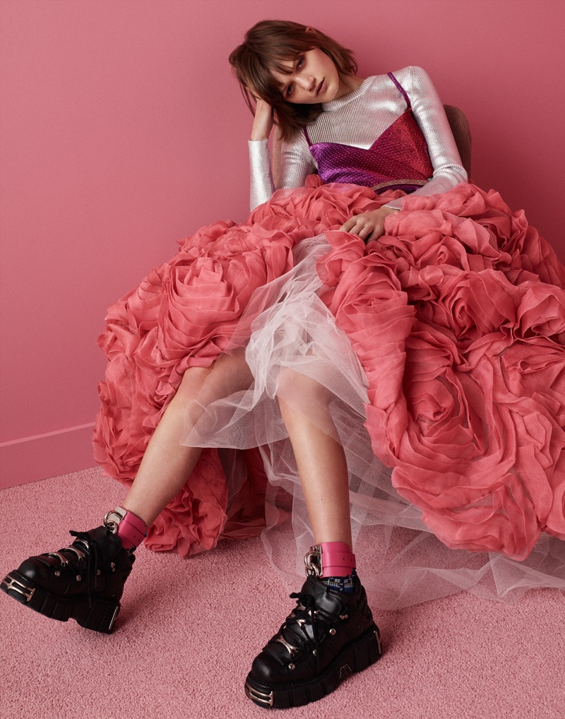 Model Peyton Knight wears Carven silver top, Area bra and Christian Siriano tulle skirt