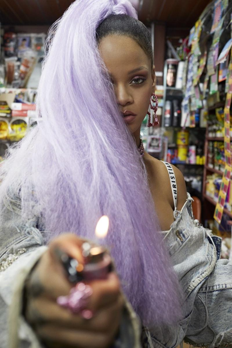 Singer Rihanna wears lavender colored high ponytail