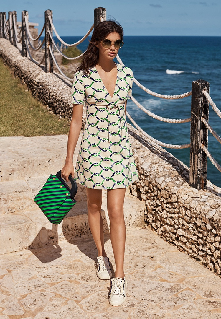 Sara Sampaio Models Tory Burch Printed Dress And Handbag
