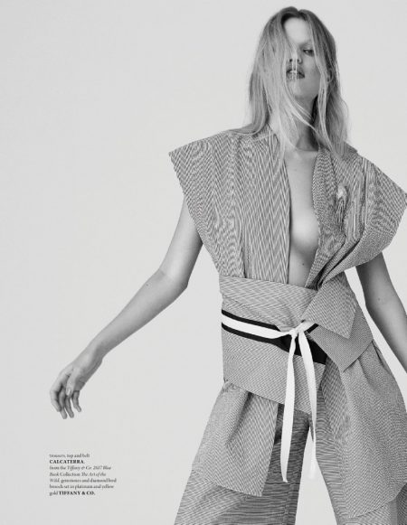 Daphne Groeneveld Models Sultry Looks for The Fashionable Lampoon
