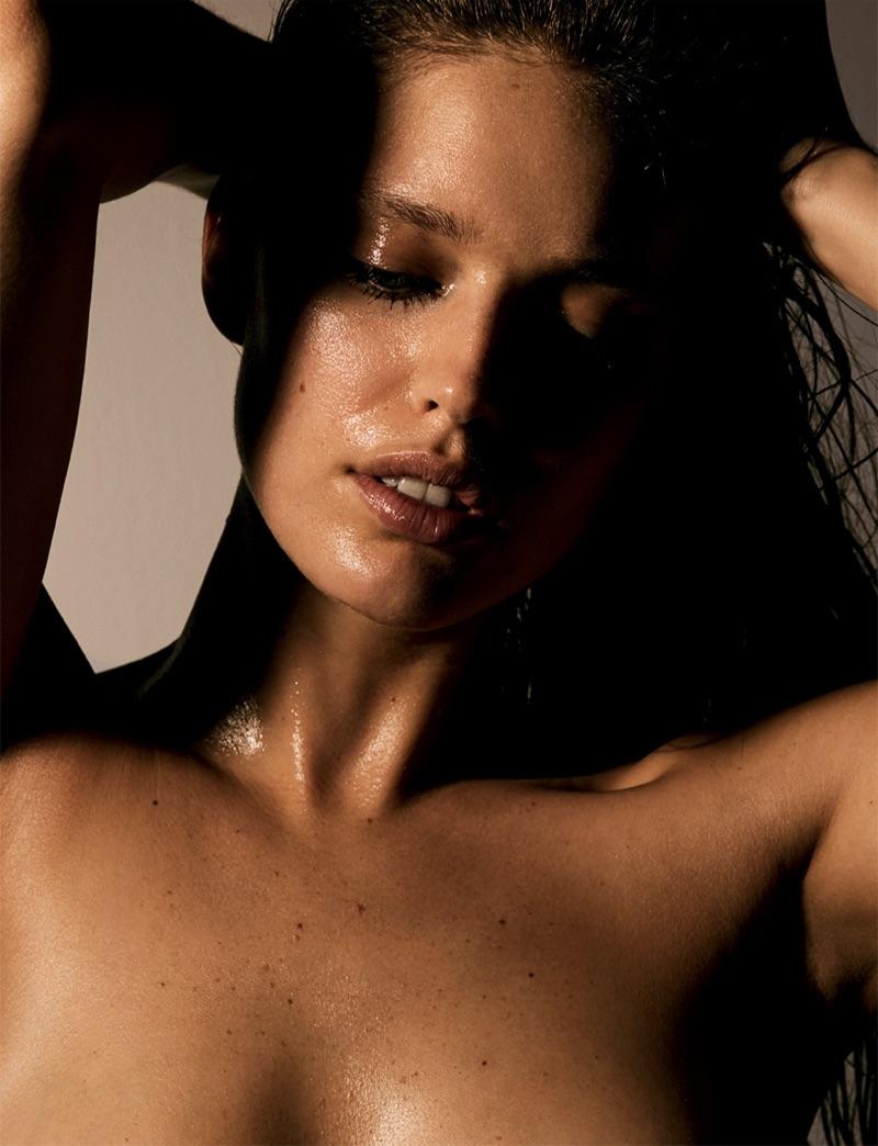 Model Emily DiDonato wears a glistening makeup look