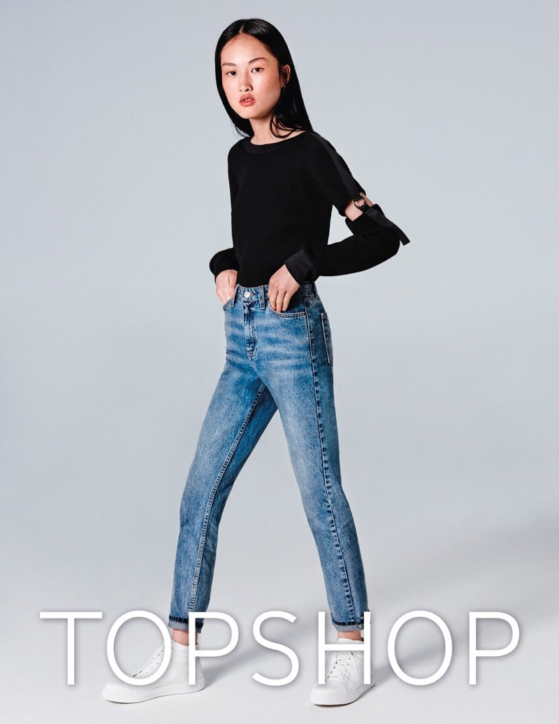 Jing Wen wears mom jeans in Topshop Jeans' spring-summer 2017 campaign