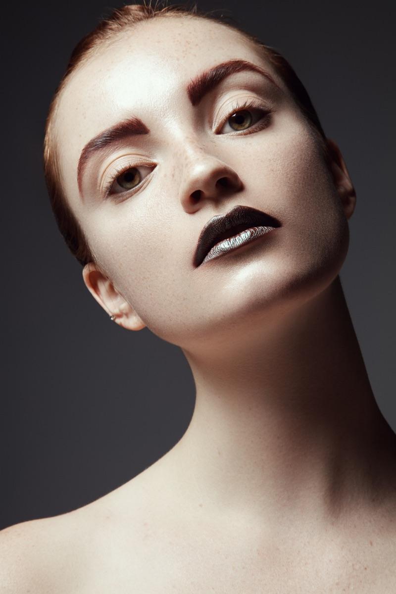 Hannah Masi wears dark lip color. Photo: Jeff Tse
