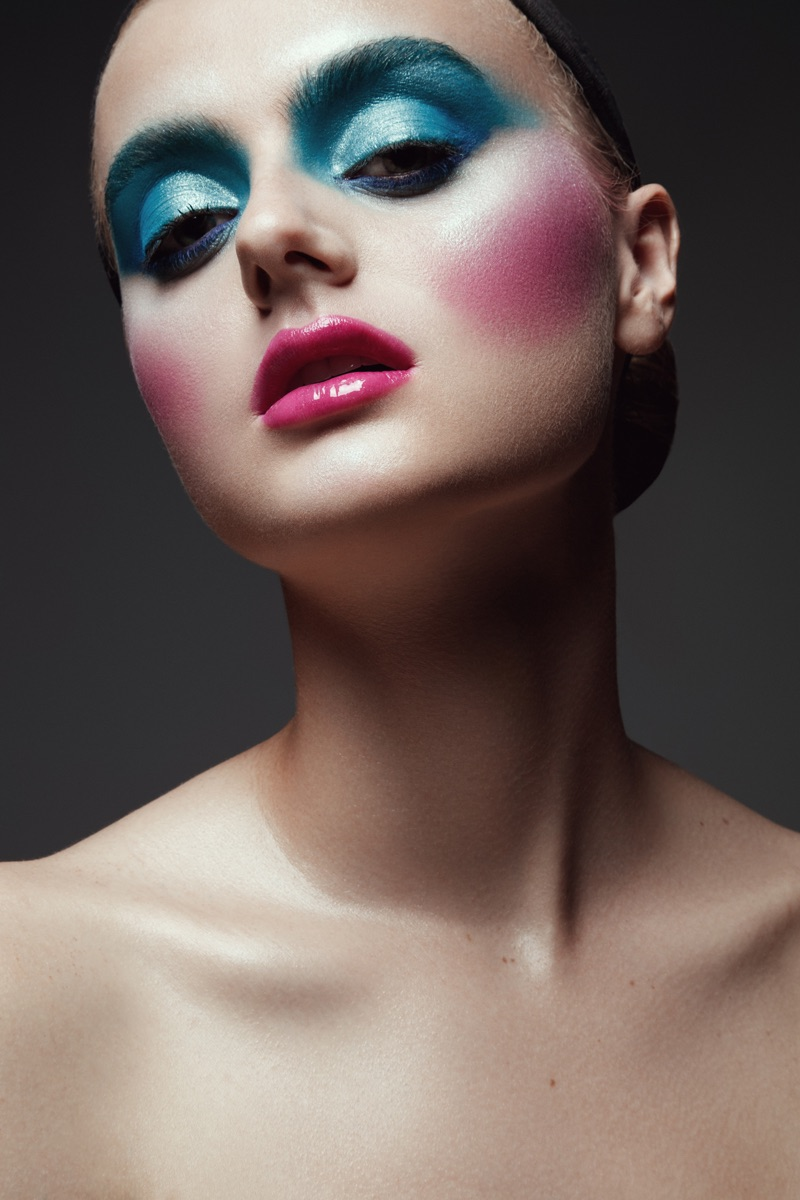 Jeff Tse photographs a colorful makeup look