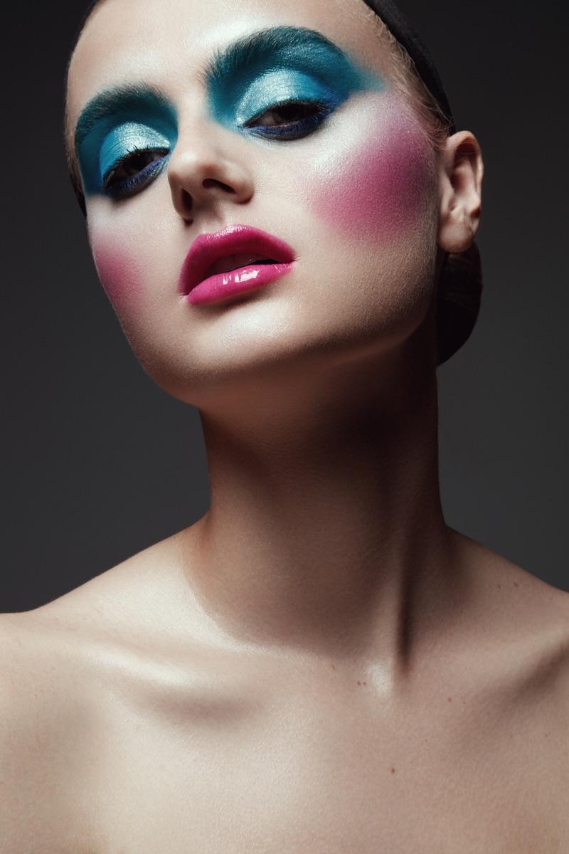 Jeff Tse photographs a colorful makeup look