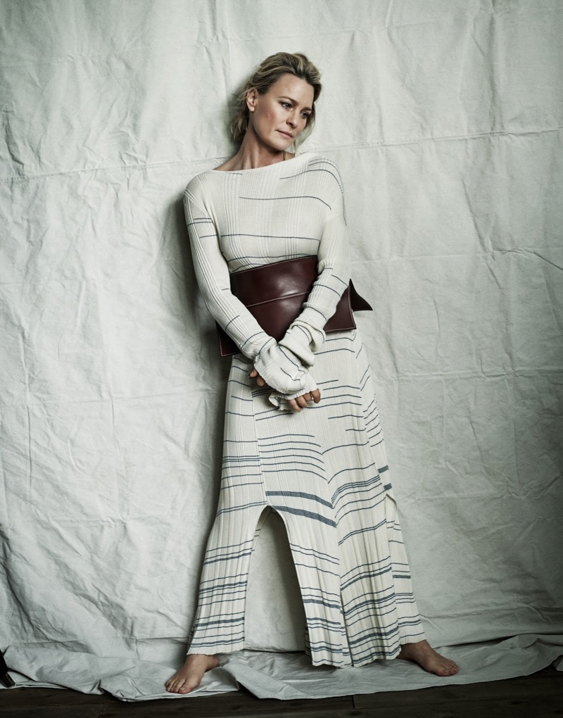 Robin Wright poses in Loewe dress and leather belt