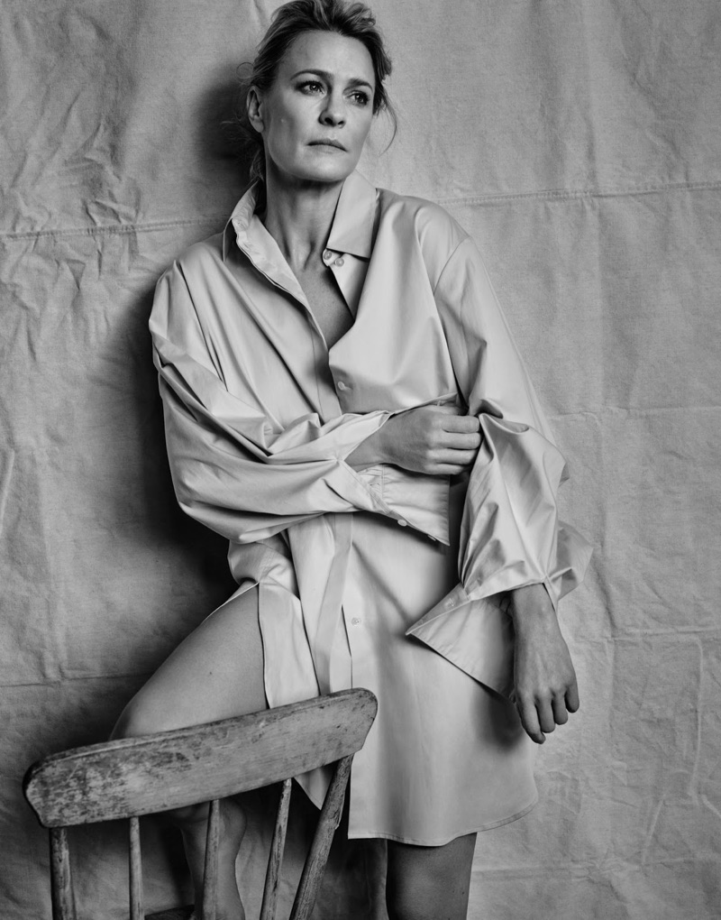 Actress Robin Wright wears The Row shirt
