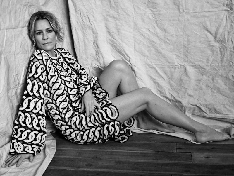 Actress Robin Wright lounges in Chloe crocheted cotton dress
