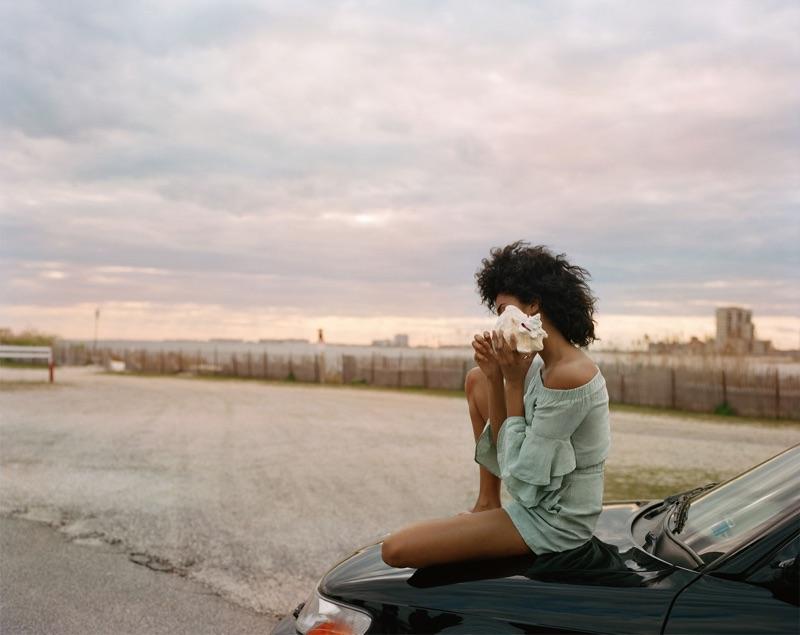 Imaan Hammam modelos Zara Ruffled Linen Jumpsuit