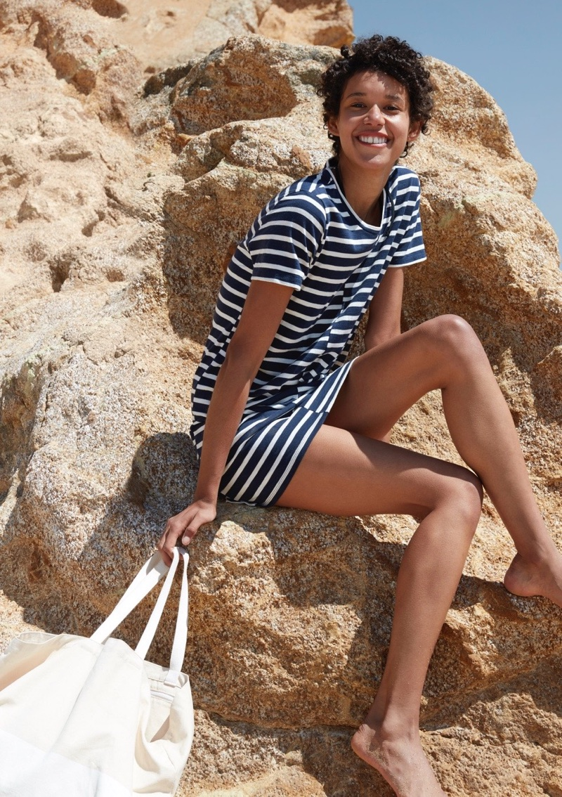 Everlane The Beach Tee Dress in Stripe and The Beach Canvas Tote