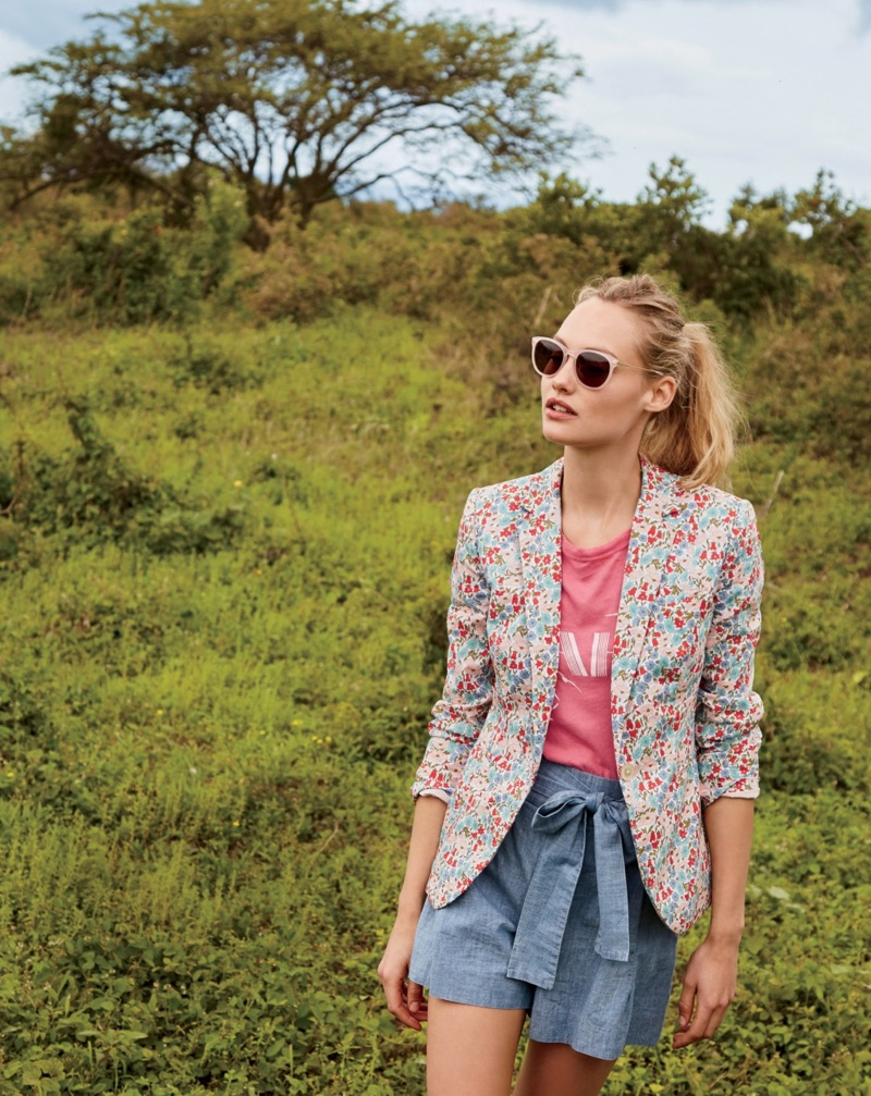 J. Crew Campbell Blazer in Liberty Poppy & Daisy Floral, OAHU T-Shirt, Tie-Waist Short in Chambray and Piper Sunglasses